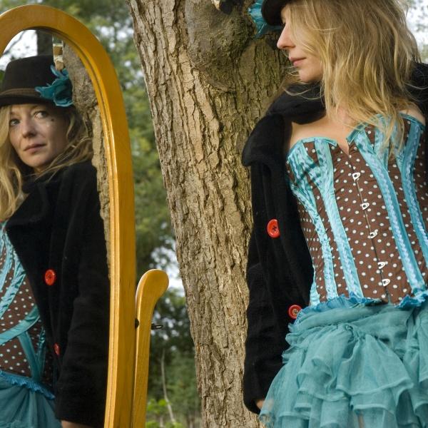 00074-corset